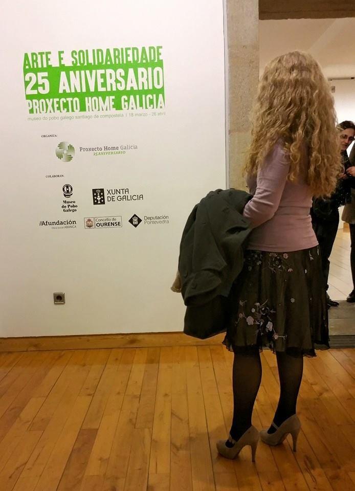 En la inauguración de Arte e Solidariedade. Foto de Alicia Romarc